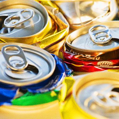 amassar latinhas reciclagem