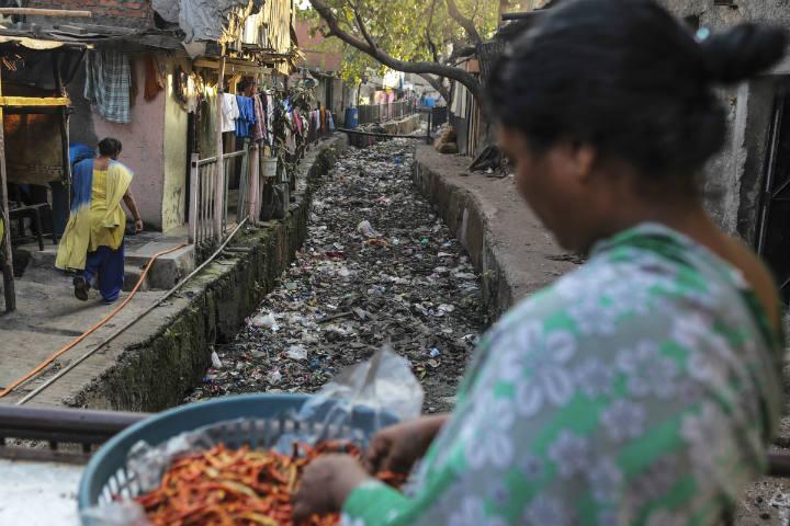 Montanhas de lixo na cidade