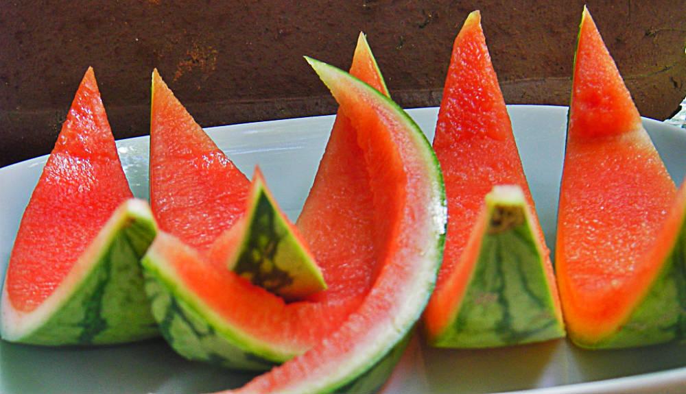 Aprenda a fazer um suculento doce de casca de melancia